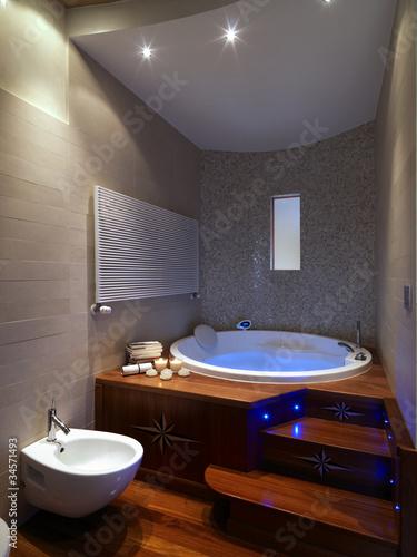 Grande vasca da bagno rotonda in bagno moderno immagini e fotografie royalty free su fotolia - Vasca da bagno rotonda ...