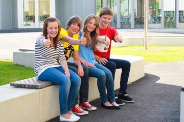 Vier Jugendliche GHR 140811
