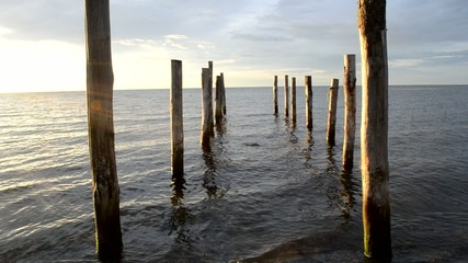 Markierter Weg ins Meer