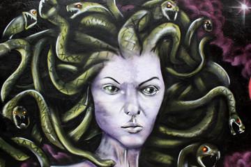 medusa mitologia griega. arte urbano