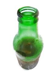 Botella de cerveza fría. Cold beer bottle.