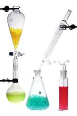Equipamiento de laboratorio con químicos