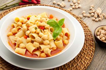 minestra di pasta e ceci