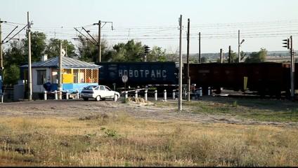 Открытие автомобильного движения на желзнодорожном преезде.