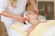 gesichtspflege im kosmetikstudio