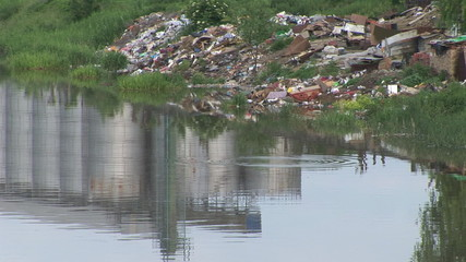 Pollution along the River, in the vicinity of industrial silos