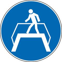 Gebotszeichen Überführung Brücke Schild Zeichen