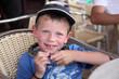 été : Enfant à l'ombre avec une casquette #2