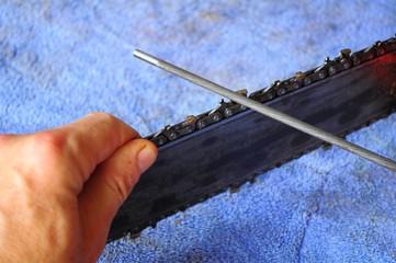 Make a Saw Chain Cut like new
