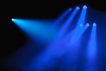 blaue Scheinwerfer