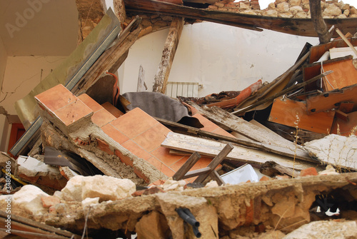 The rubble of the earthquake in Abruzzo (Italy) - 34805806