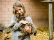 Mädchen mit kleine Ziege