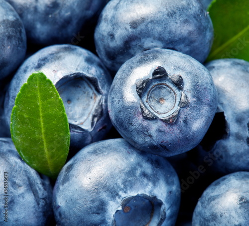 Blueberries with leaves © volff