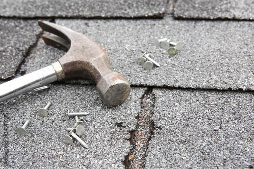 Leinwanddruck Bild Roof repair