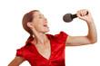 Singende Frau mit Mikrofon