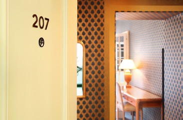 camera d'albergo aperta