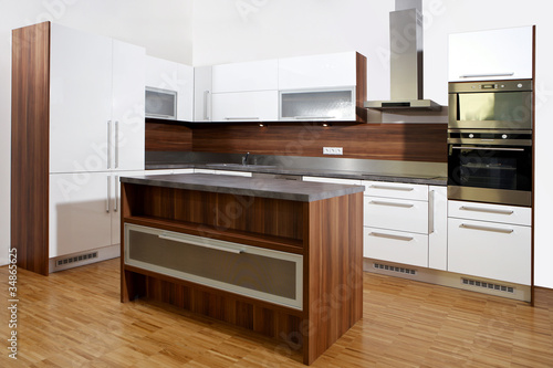 Kitchen in brown and white