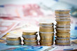 Leinwandbild Motiv Piles de monnaie en croissance