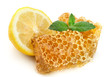 Honey honeycombs with lemon