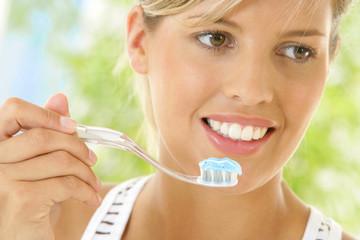 Femme - Brossage des dents