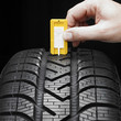 Checking the tread pattern of a winter tire