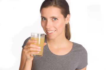 Frau mit Glas in der Hand