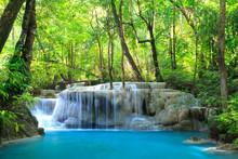 Erawan Cascada, Kanchanaburi, Tailandia