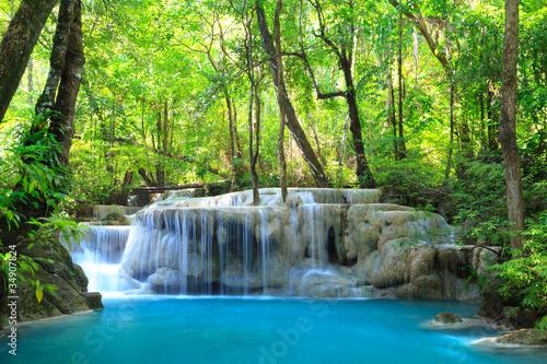 Staande foto Watervallen Erawan Waterfall, Kanchanaburi, Thailand