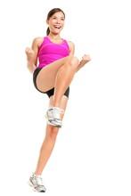 Femme de fitness aérobic