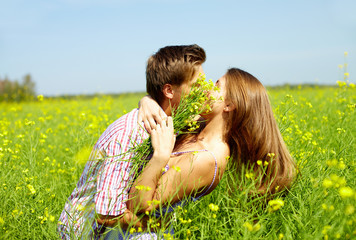 Kiss in the field