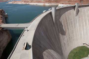 Glen Canyon Dam on Lake Powell Arizona/Utah USA