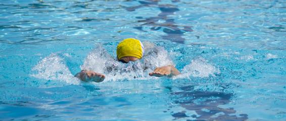 gara di nuoto
