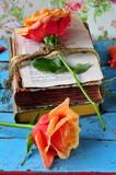Fototapety Rosen und antike Bücher
