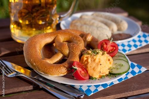 Brezel, Obatzda und Weisswurst