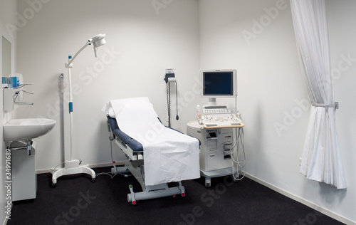 pregnancy ultrasound exam room - 34991689