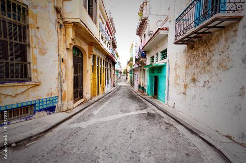 Shabby steet in Old Havana - 35037813