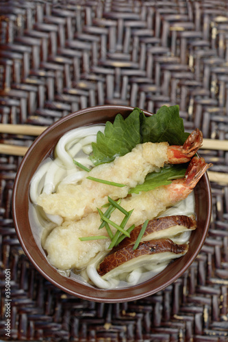 Tempura prawn and Shitake mushrooms in Udon soup