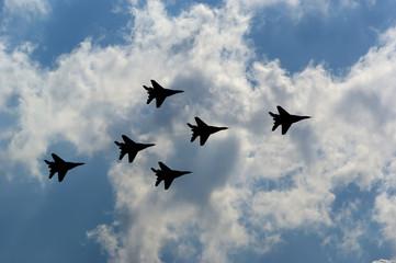 Flight of modern combat fighters