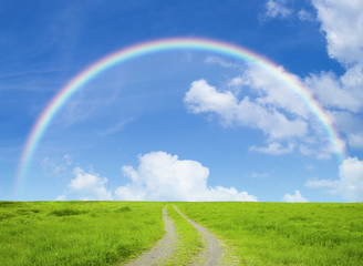 草原の道と虹