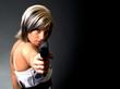 Frau mit der Pistole