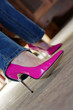 beine in pink pumps high heels
