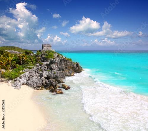Fotobehang Caraïben ancient Mayan ruins Tulum Caribbean turquoise