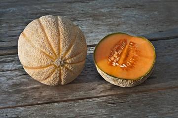 melone intero e metà