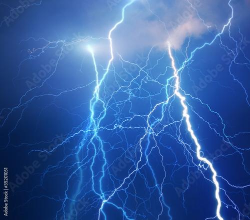Foto op Plexiglas Onweer Heavy clouds bringing thunder, lightnings and storm.