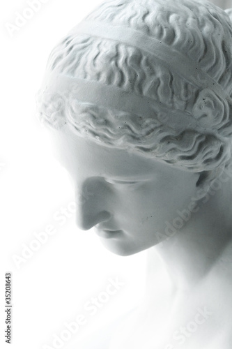 White statue of Venus © _point