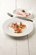 Cracker con Prosciutto cotto - Antipasto