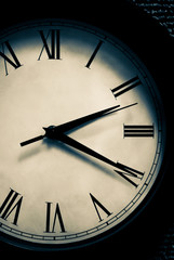 2:20 Time on Clock Face