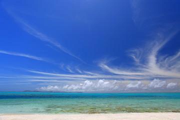 ナガンヌ島の透明な海