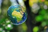 Terre dans une bulle.