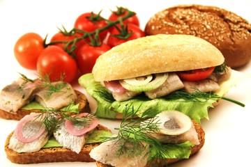 verschiedene Snacks mit Fisch